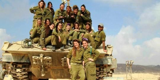 Israeli female tank instructors