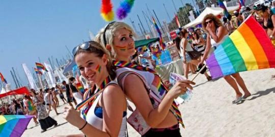 Fun and sun at Tel Aviv's Gordon Beach